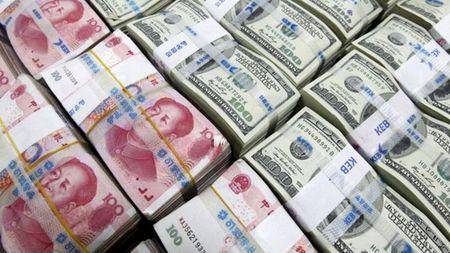 "Du tru ngoai hoi Trung Quoc ""boc hoi"" gan 100 ti USD - Anh 1"
