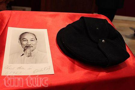 Don nhan ky vat cua Chu tich Ho Chi Minh tai Phap - Anh 2
