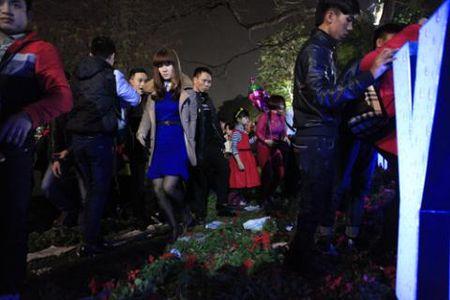 Giam hoa Ha Noi, xa rac Sai Gon: Kich ban cu - Anh 7