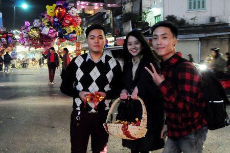 Lang le muu sinh trong dem giao thua o Ha Noi - Anh 3