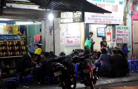 Lang le muu sinh trong dem giao thua o Ha Noi - Anh 5