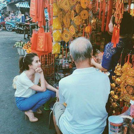 Faceboook sao 8/2: Sao Viet ron rang don giao thua - Anh 17