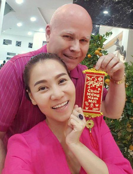 Faceboook sao 8/2: Sao Viet ron rang don giao thua - Anh 4