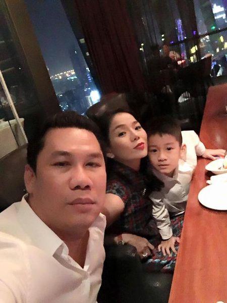 Faceboook sao 8/2: Sao Viet ron rang don giao thua - Anh 7