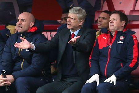 Oezil no sung, Arsenal lay ba diem trong 2 phut - Anh 12