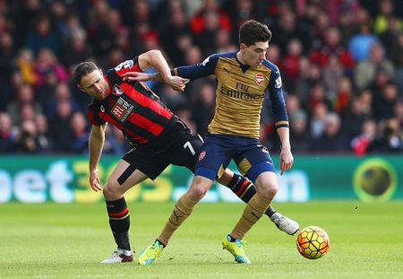 Oezil no sung, Arsenal lay ba diem trong 2 phut - Anh 1