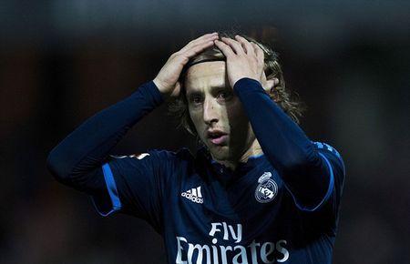 Luka Modric tu toi do hoa nguoi hung, Real thang nhoc - Anh 8