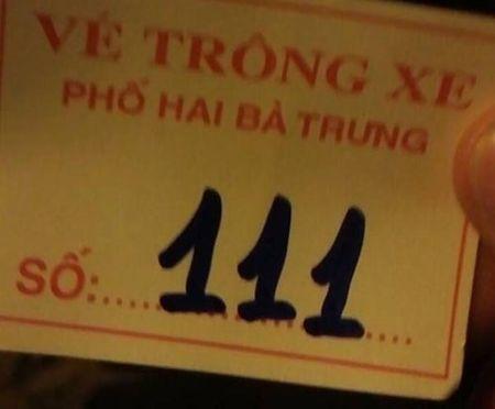 "Nguoi Ha Noi ""bi chem"" 100 nghin/xe may xem phao hoa - Anh 2"