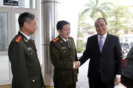 Pho Thu tuong Nguyen Xuan Phuc tham, chuc Tet CATP Da Nang - Anh 1