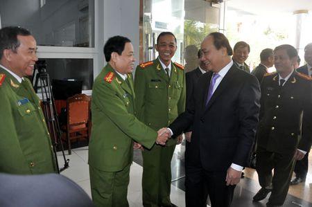 Pho Thu tuong Nguyen Xuan Phuc tham, chuc Tet CATP Da Nang - Anh 3
