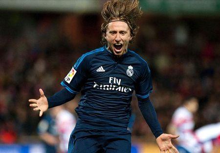 "Ronaldo ""tit ngoi"", Real Madrid nhoc nhan ha Granada - Anh 1"