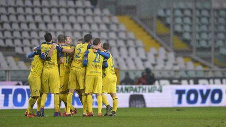 Vong 24 Serie A: Bat ngo den tu Verona! - Anh 2