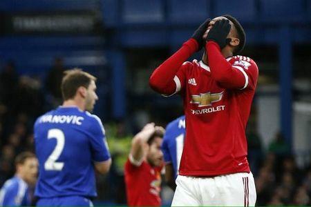 M.U danh roi 3 diem o phut chot truoc Chelsea - Anh 1