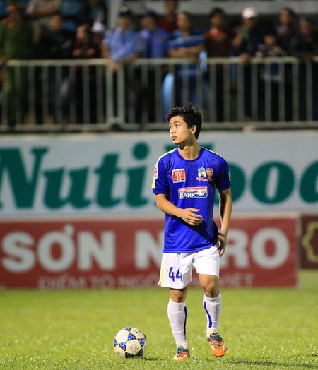Anh doc 3 chang ngu lam HAGL: Cong Phuong, khoi dau tu cu thiet dau cong - Anh 26