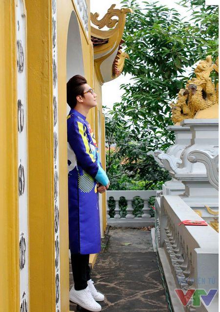 Cong To khoe bo anh don nam moi voi ao dai cach tan - Anh 13