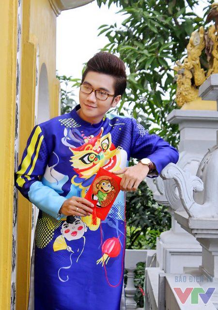 Cong To khoe bo anh don nam moi voi ao dai cach tan - Anh 15