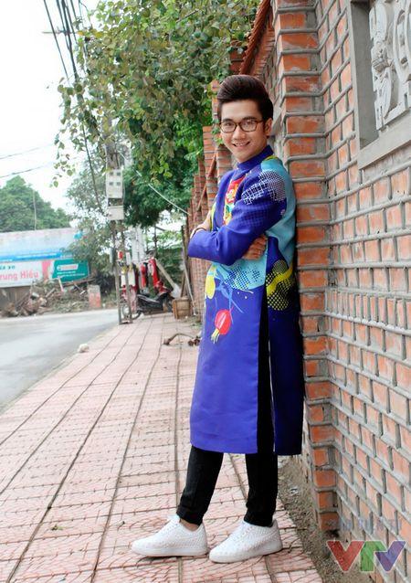 Cong To khoe bo anh don nam moi voi ao dai cach tan - Anh 8