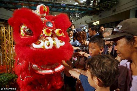 Cac quoc gia chau A tung bung chao don nam moi Binh Than 2016 - Anh 13