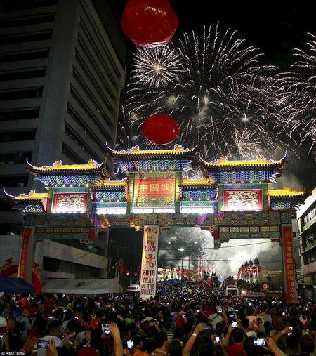 Cac quoc gia chau A tung bung chao don nam moi Binh Than 2016 - Anh 2