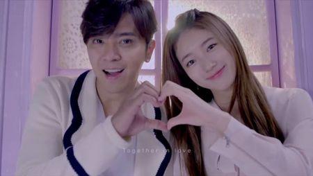 Khi Suzy (Miss A) bat tay 'tao bao'cung loat my nam dinh dam - Anh 2