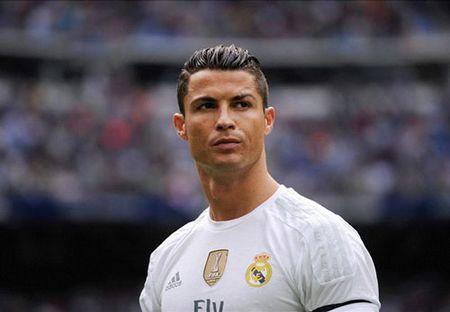Ronaldo lap lung, co the roi Real sau 2 nam nua - Anh 1