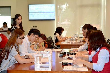 Doanh nghiep Nha nuoc thu ve hon 1.517 ty dong qua IPO - Anh 1