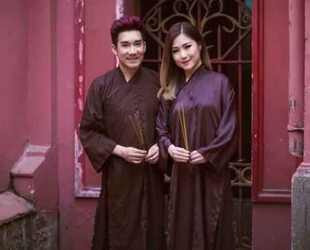 Quang Ha,Huong Tram mac ao nau song di le chua dau nam - Anh 1