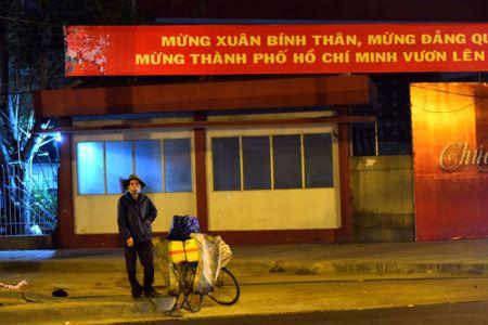 Nhung manh doi co ro dem giao thua tren he pho Sai Gon - Anh 3
