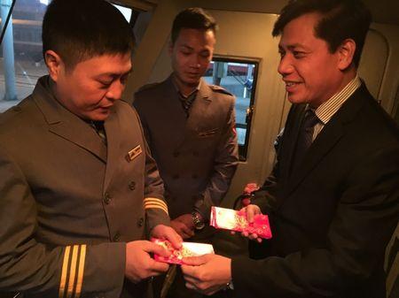 Lanh dao Bo GTVT tien hanh khach cuoi cung cua nam At Mui - Anh 8