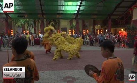 Canh phao hoa Tet Viet trong VIDEO giao thua Chau A cua AP - Anh 3