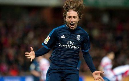 "HLV Zidane: ""Quen CR7 di, Modric moi chinh la ngoi sao lon nhat tai Real"" - Anh 1"