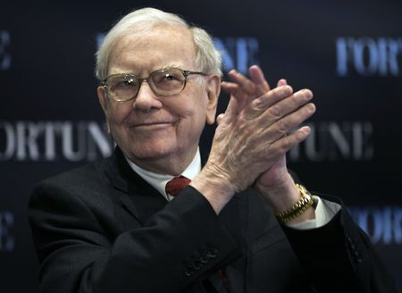 "Ty phu Warrent Buffett: Kinh te My ""kha"" hon mong doi - Anh 1"