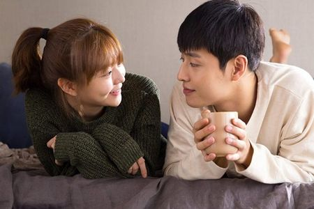 """Minh 'thich' nhau di"": Mang la ao, tinh la that - Anh 6"