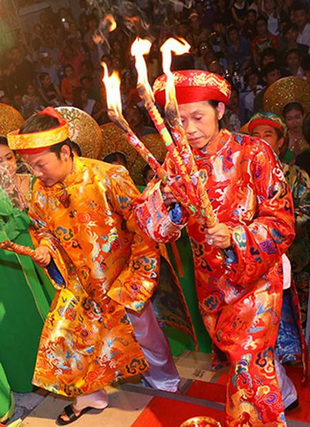 Hoai Linh xin duoc giu cong trinh den tho to - Anh 2