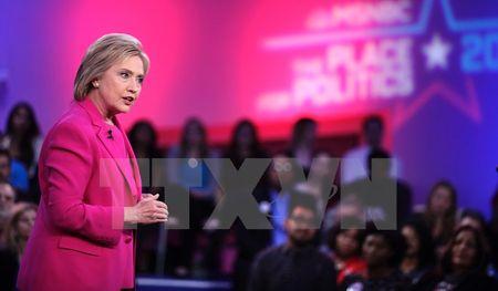"Bau cu My: Ba Clinton chiem loi the trong ngay ""Sieu thu Ba"" - Anh 1"