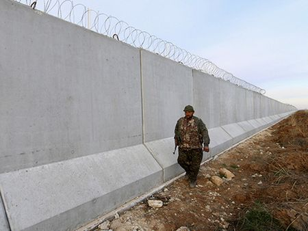 Ong Sergei Lavrov: Nga muon dong cua bien gioi Tho Nhi Ky-Syria - Anh 1
