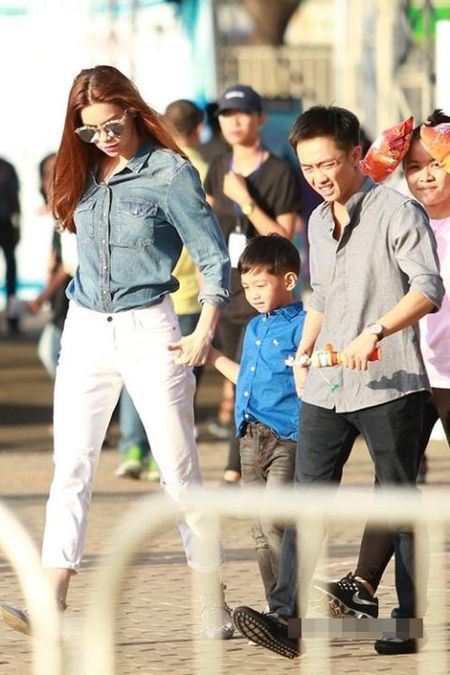 Ha Ho chung minh ban linh giua scandal - Anh 4