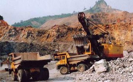 Quang Ngai: Tang cuong kiem tra khai thac khoang san - Anh 12