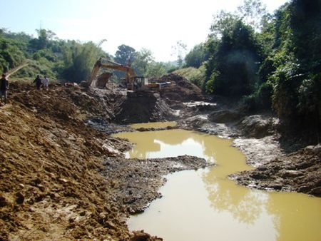 Quang Ngai: Tang cuong kiem tra khai thac khoang san - Anh 11