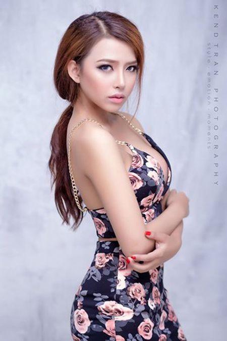 Mat that cua hot girl ban xuc xich, ban gai Phan Manh Quynh - Anh 2
