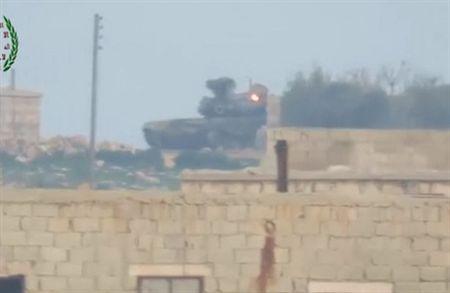 Ly do buon cuoi khien T-90A bi trung ten lua TOW o Syria - Anh 1