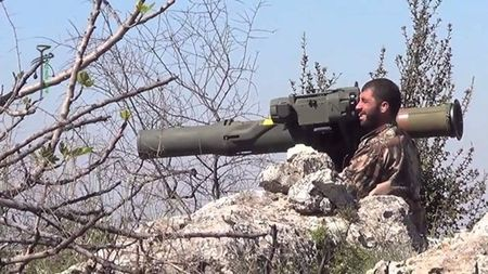 Ly do buon cuoi khien T-90A bi trung ten lua TOW o Syria - Anh 2