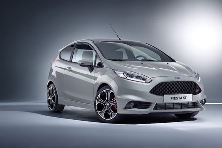 Chi tiet Ford Fiesta ST200 ban the thao manh me nhat - Anh 1