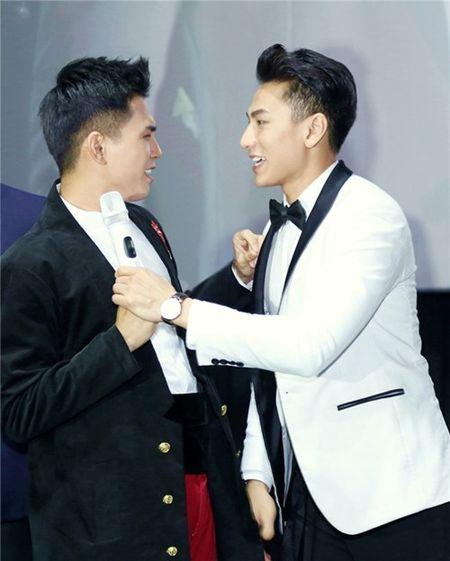 """Isaac """"cuong hon"""" Will truoc loi thach thuc cua fan - Anh 2"""