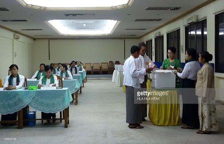 Myanmar an dinh bau cu tong thong som 1 tuan - Anh 1