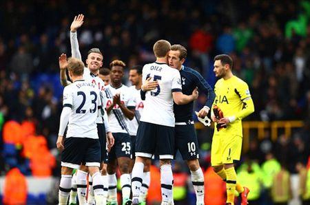 "Nguoc dong ha sat ""Thien nga"", Tottenham lap ky luc - Anh 1"