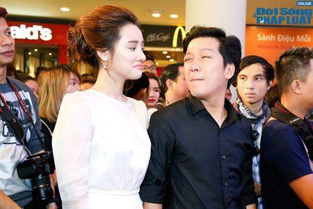 Nha Phuong biu moi treu dua Truong Giang cuc dang yeu - Anh 4