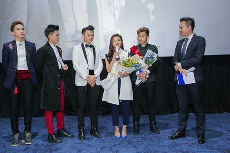"""Fans """"phat cuong"""" vi hanh dong nay cua Isaac danh cho Will - Anh 3"""