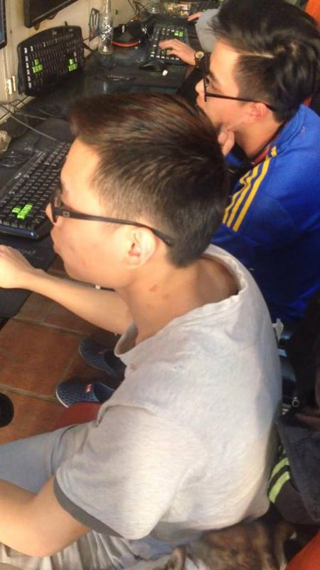 Vu Camry dien: Mot ngay sau khi tu than di qua pho Ai Mo - Anh 2