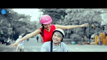 Hanh Kenny khoc het nuoc mat vi nguoi yeu trong MV moi - Anh 3